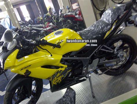 Striping Rr 2013 iwanbanaran all about motorcycles 187 kawasaki rilis warna dan striping baru untuk