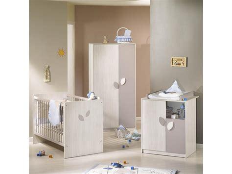 chambre bébé blanc et taupe table salon moderne design