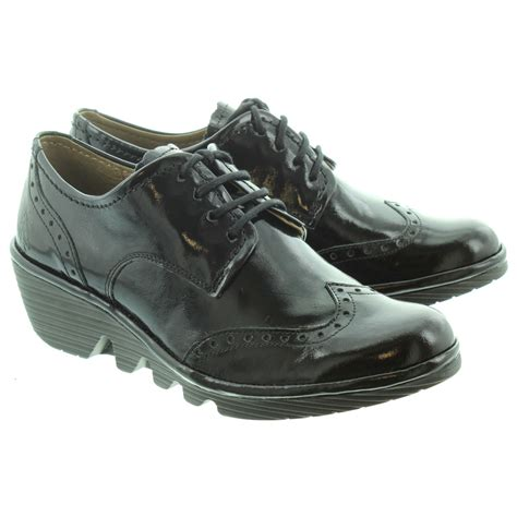 fly shoes fly palt low brogue lace shoes in black patent in