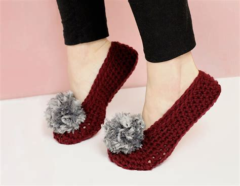 how to crochet slippers how to crochet slippers simple fur pom pom slippers