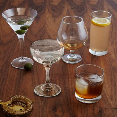 Bar Glasses Set Ring In The New Year With These Tokyo Sparkler Cocktails