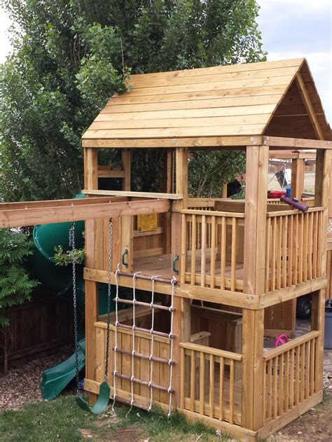 playhouse dwell com 1000 ideas about kids outdoor playhouses on pinterest