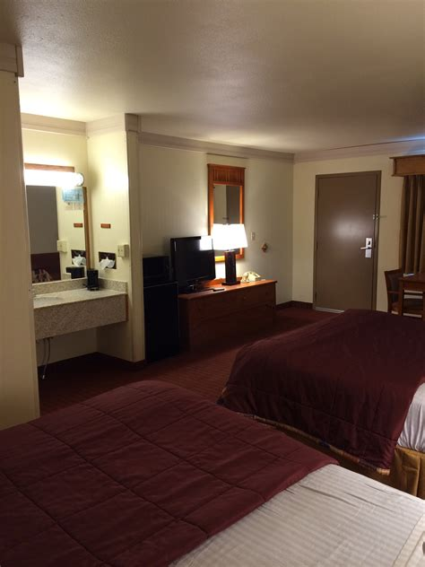 double queen bed double queen chair bed best western plains motel