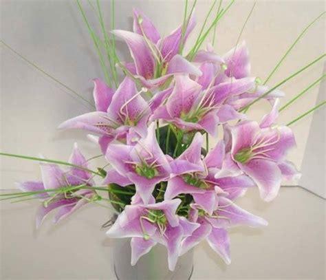 creare fiori finti composizione fiori finti composizione di fiori finti