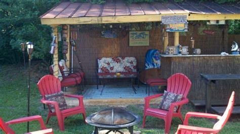Tiki Hut Backyard by Backyard Tiki Hut Tiki Bbq Luau