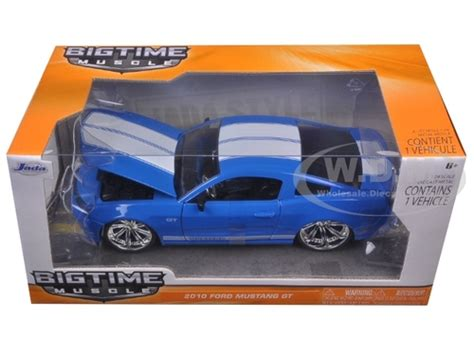 Ford Mustang Gt 2010 Biru Diecast 125 2010 ford mustang gt blue with white stripes 1 24 diecast