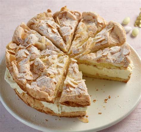 kuchen mit biskuitboden zitronen sahne torte rezept essen und trinken