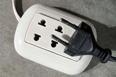 electricity in peru outlets plugs and voltage