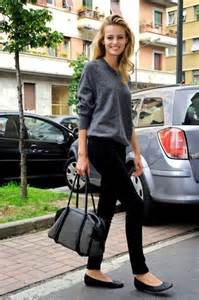 Ballet flats go well with a pair of dark skinny jeans on the fashion