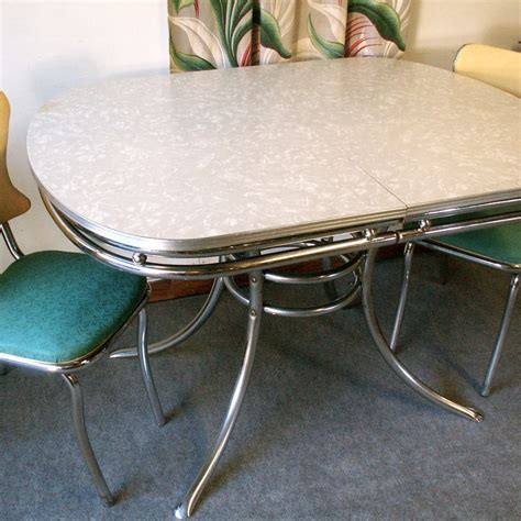 Retro Chrome Kitchen Table Vintage Chrome And Formica Table With Two Chairs 225 00 Via Etsy 1950 S Formica And Pyrex