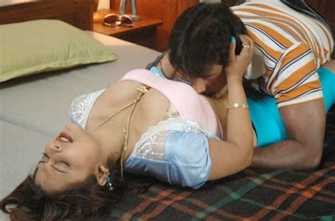 english bedroom sex thappu tamil movie spicy latest hot pics actress sexy