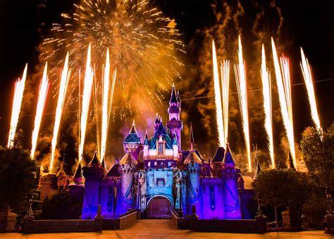 united states disney fireworks display wins 2016 disneyland shows disneyland entertainment 2018