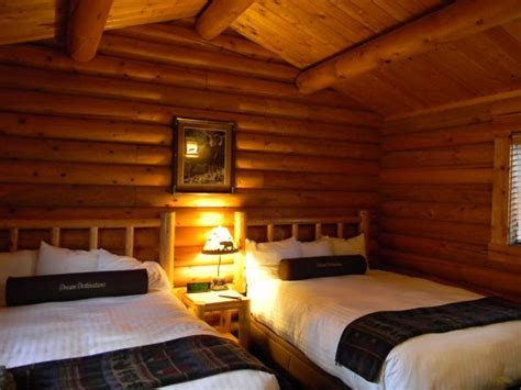 1 bedroom lodge the cottages of boone togwotee cabin bedroom picture of togwotee mountain