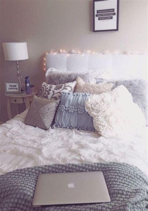 pillow headboard bedroom set best 25 college apartment bedrooms ideas on pinterest