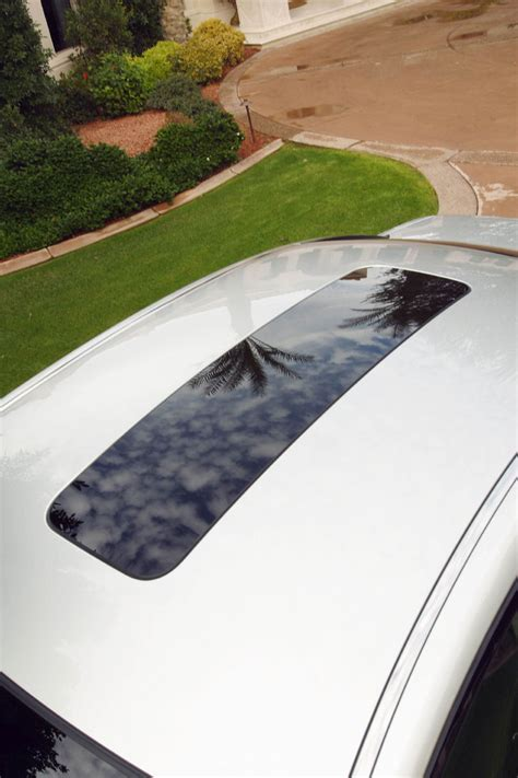 Nissan Skyview Roof