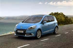 Renault In Renault Scenic Car Wallpaper
