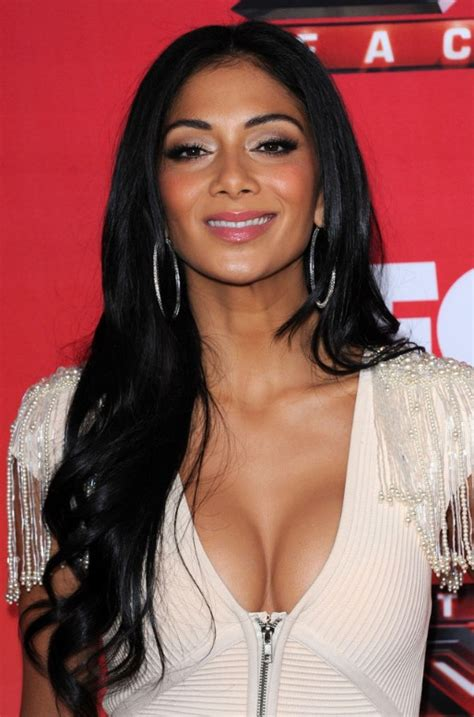 black women hairstyle with middle part middle part hairstyles for black women