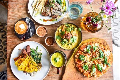 ubud cafes  places  bali  breakfast  brunch