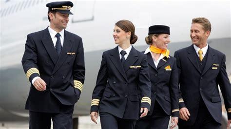 how much can a steward or stewardess make eljet s