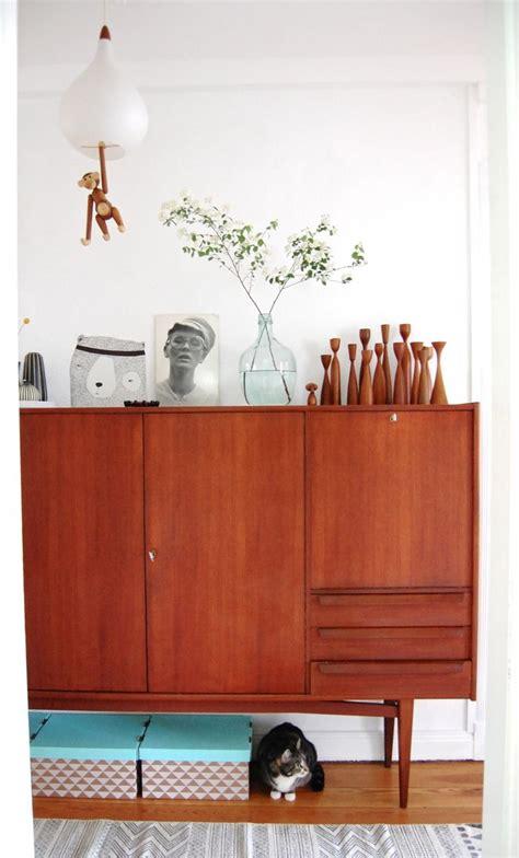 bücherregal retro wohnzimmer design wandgestaltung