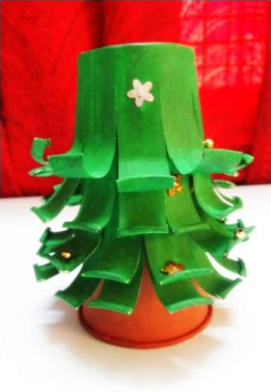 make a paper cup christmas tree art platter