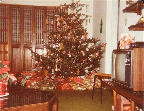 christmas tree in 1970s why my 1970s was way better huffpost