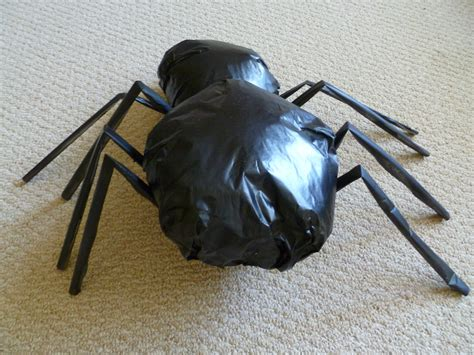 How To Make A Large Spider Decoration by Diy Aragog Spider Decoration Craftster Chic