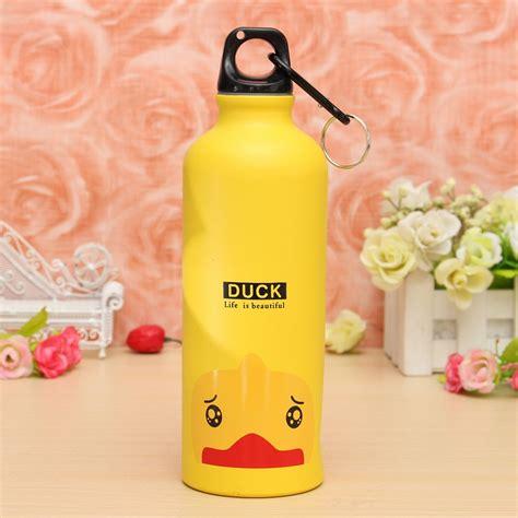 Botol Minum Kartun 500ml Dengan Karabiner Duck Yellow botol minum kartun 500ml dengan karabiner yellow