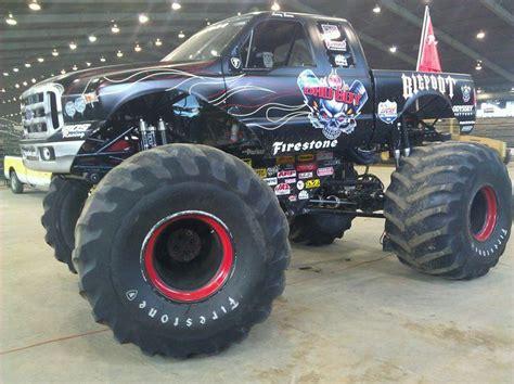 bigfoot monster truck wiki bad boy bigfoot monster trucks wiki fandom powered by