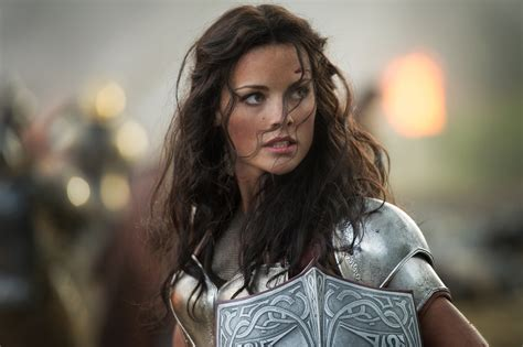 thor movie girl name lady sif jaimie alexander says we should really pay