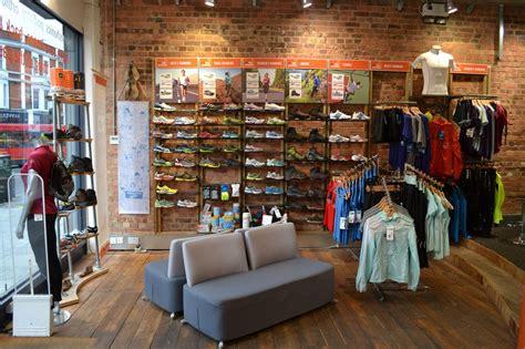 run in shoe store profeet shopping in parsons green