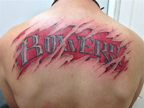 tattoo name on back back name tattoo ideas