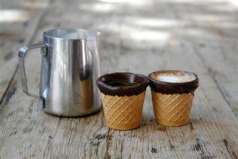 kopje kleiner dan espresso geniaal eetbare espressokopjes van koekjes en chocolade
