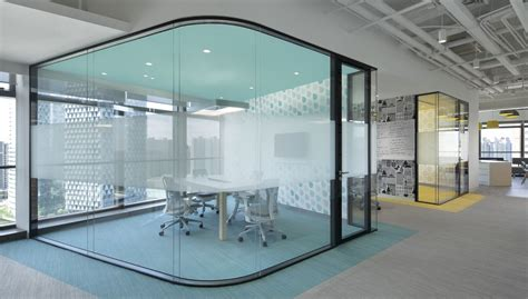 In Law Pods office partition systems hong kong frameless partition
