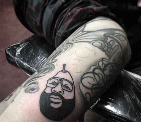 rick ross tattoos rick ross as a pear bad pictures