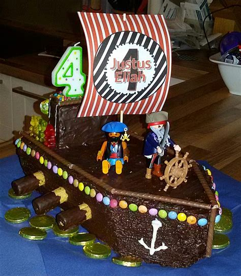 kuchen piratenschiff rezept kindergeburtstag piratenkuchen rezepte chefkoch de