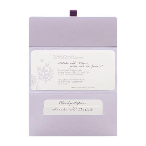 hochzeitseinladungen hochwertig hochwertige lila hochzeitseinladungen mit text drucken