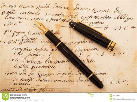 lettere stilografiche penna stilografica sulla lettera fotografia stock