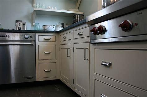 white inset kitchen cabinets 25 best ideas about whitewash cabinets on pinterest