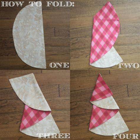 half circle christmas tree napkin pattern christmas tree napkin tutorial by sew caroline skip to