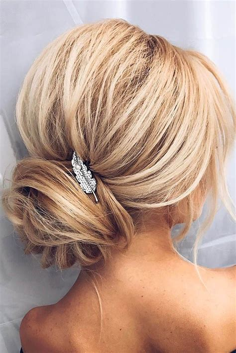 Wedding Hairstyles Updo Bridesmaid by Best 25 Wedding Hairstyles Ideas On