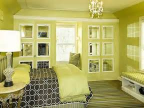 Bedroom Paint Ideas For Small Rooms Spacious Small Bedroom Paint Ideas With Grays Secret