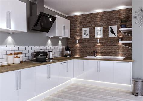 white high gloss kitchen doors