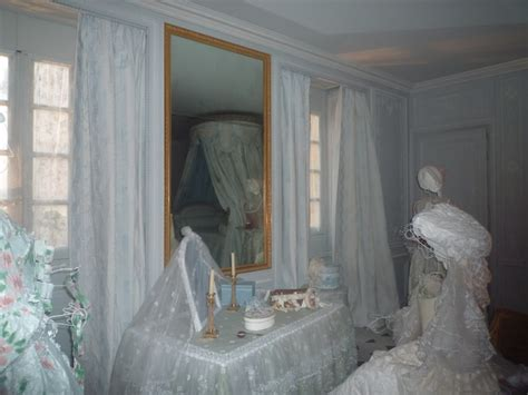 marie antoinette bathroom marie antoinette s bathroom restored at versailles the