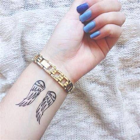 tattoo de panda no pulso 25 melhores ideias sobre tatuagem no pulso no pinterest