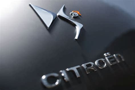 logo de citroen ds racing noir obsidien  orange