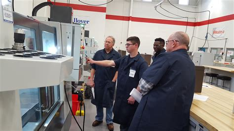 vincennes university  provide  cost high quality cnc job training woodworking network