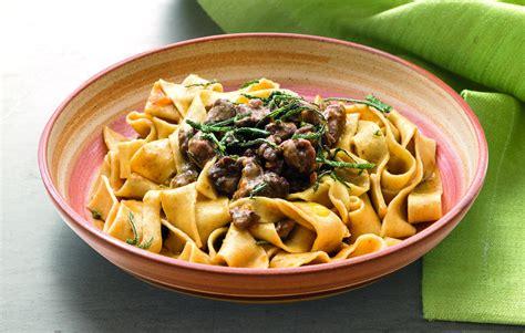 cucinare cinghiale al sugo ricetta tagliatelle al rag 249 di cinghiale la cucina italiana