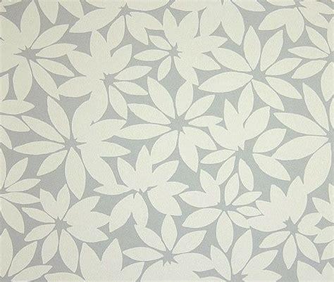 grey leaf pattern wallpaper gray and cream wallpaper wallpapersafari