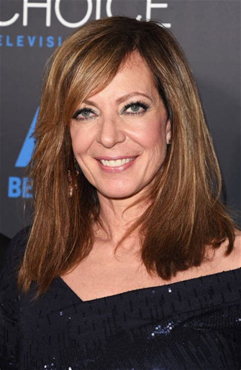 shoulder length straight hairstyles housewife of beverly hill allison janney medium straight cut with bangs medium